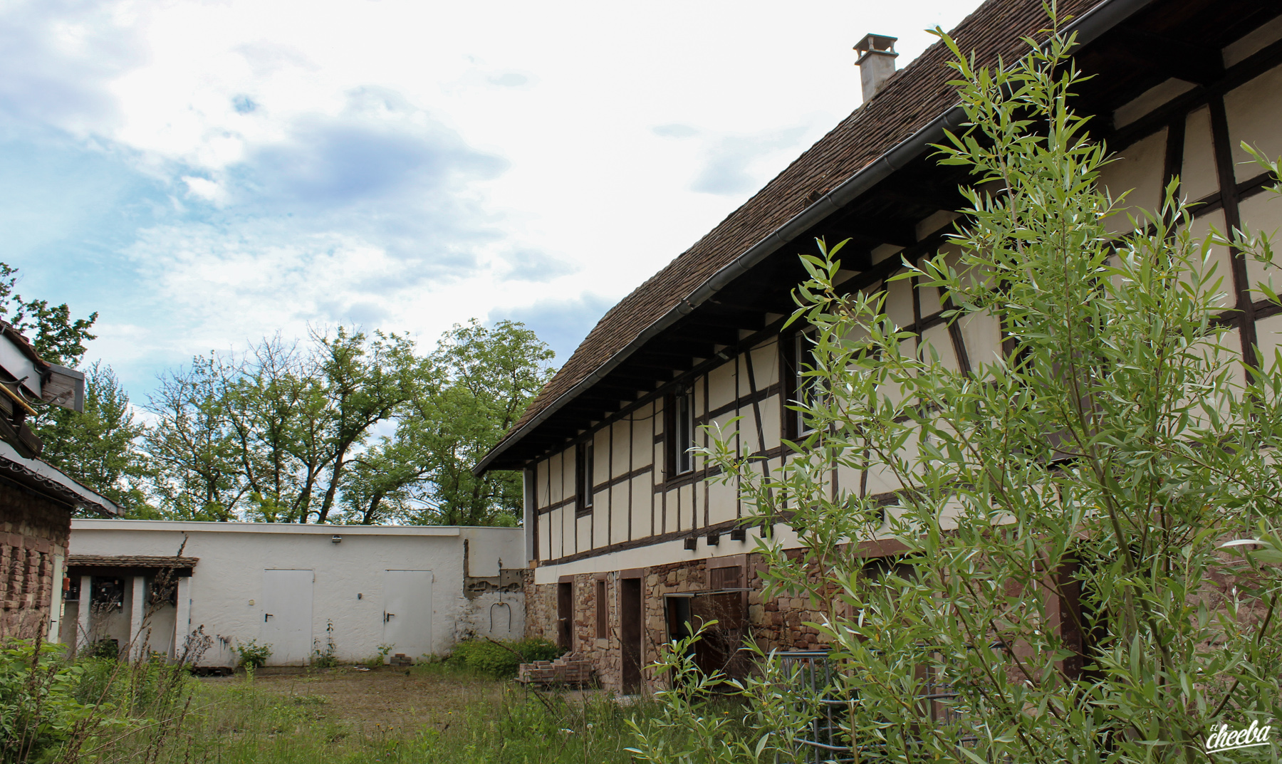 Auberge de la CIA, une auberge abandonnée en Alsace - Urbex Alsace