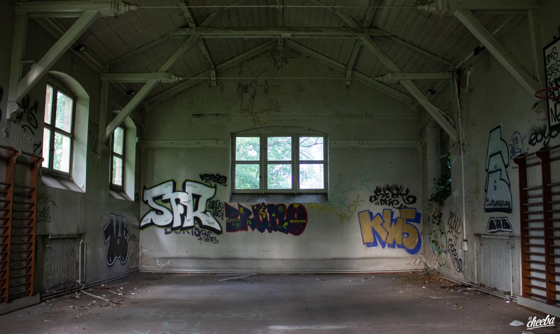 Urbex à l'Ecole Braque, école abandonnée - Urbex Alsace