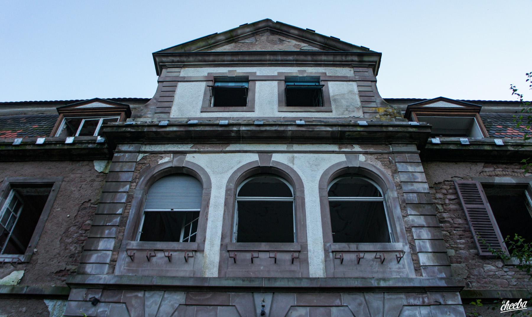 Urbex au Sanatorium de la Police et au Manoir Bénaville - Urbex Alsace