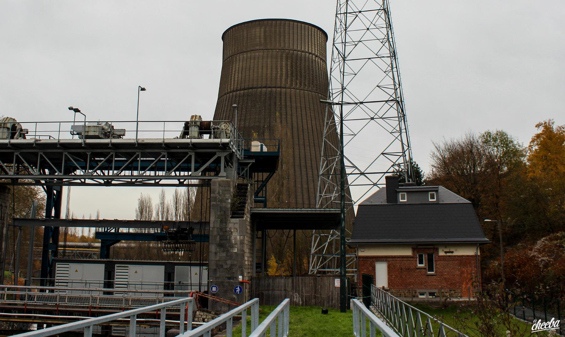 Urbex à la Tour de Refroidissement de Charleroi - Urbex Belgique