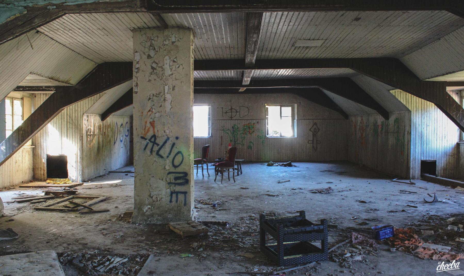 Urbex à Maison de l'Agneau, une maison abandonnée en Alsace - Urbex Alsace