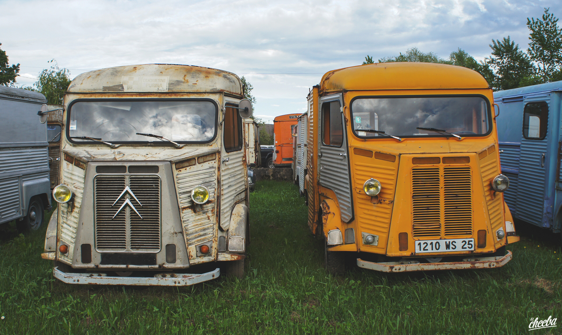 Urbex au Garage du dealer de H, camionnettes abandonnées - Urbex Alsace
