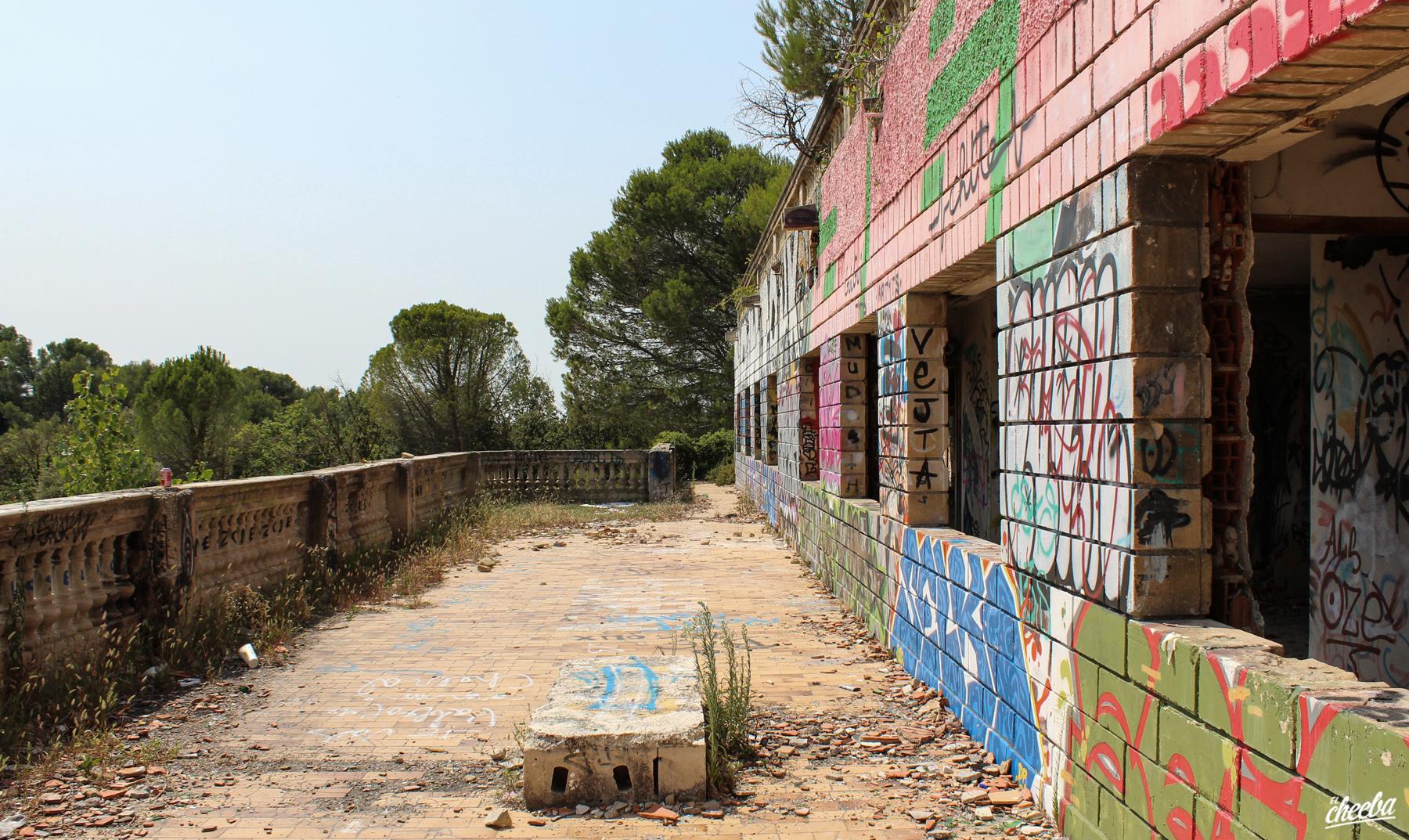Urbex à l'hôtel-discothèque Le Zoom, abandonné à Velleron dans le Vaucluse - Urbex Paca