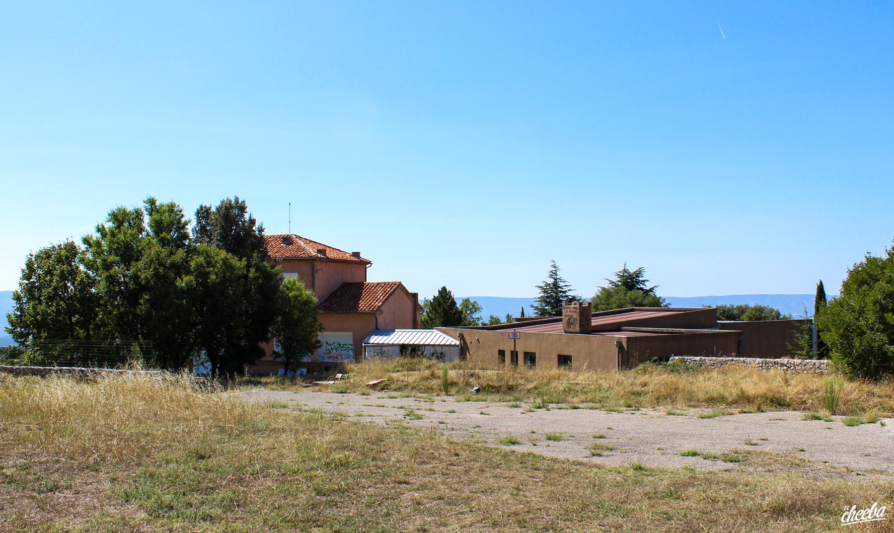 Urbex au Château de Miss Ratched, abandonné dans le Sud de la France - Urbex Alsace