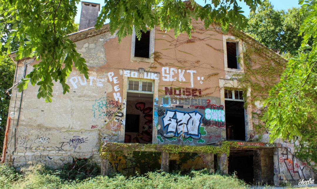 Urbex au Château des Vanniers, abandonné dans le Sud de la France - Urbex Alsace
